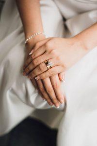 urejeni nohti za poroko